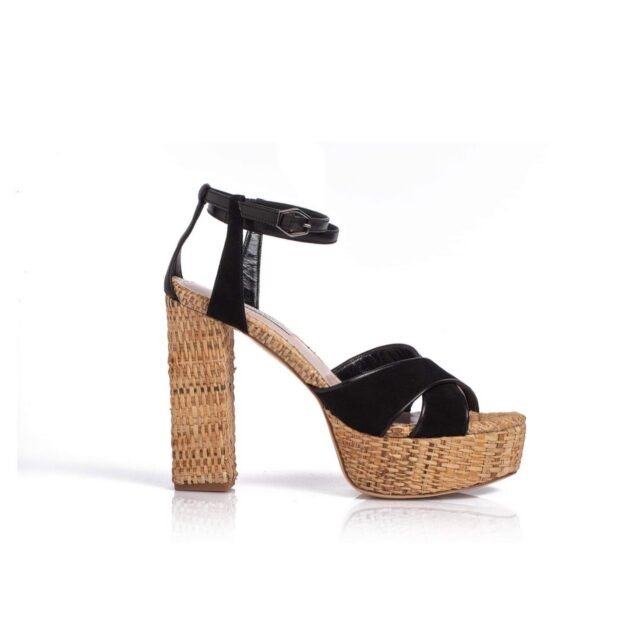 Captured by the intensity of your black eyes...  E R A T O  black raffia sandals  NEW order up to 6/8/20. #raniakroupishoes #raniakroupiluxuryshoes #resortsandals #luxurysandals #raffiasandals #erato the nymph of the erotic poetry and love in Ancient Greek mythology  #handmadeinathens #resortoutfit