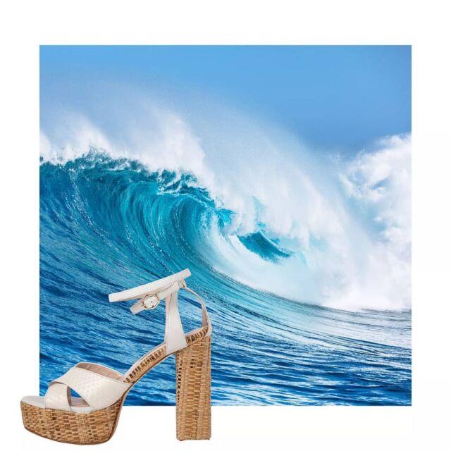 E R A T O White raffia sandals  #taniakroupishoes #raniakroupiluxuryshoes #raffiasandals. #handmadeinathens